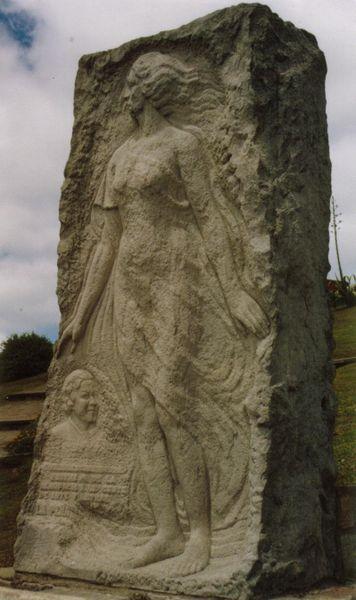 356px-monumento_a_alfonsina_storni