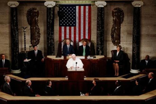 O voto em Trump aprova a guerra contra o Vaticano? O voto em Hillary subscreve a descristianização da América? Como sair do impasse?